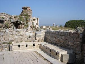 2944283-These_ancient_toilets_of_Ephesus_appear_rather_new-Ephesus