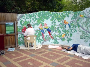 zoo-mural-painters-at-work-